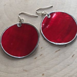 RED SHELL DISC EARRINGS